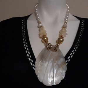 Jewelry - Vintage Abalone Shell Necklace